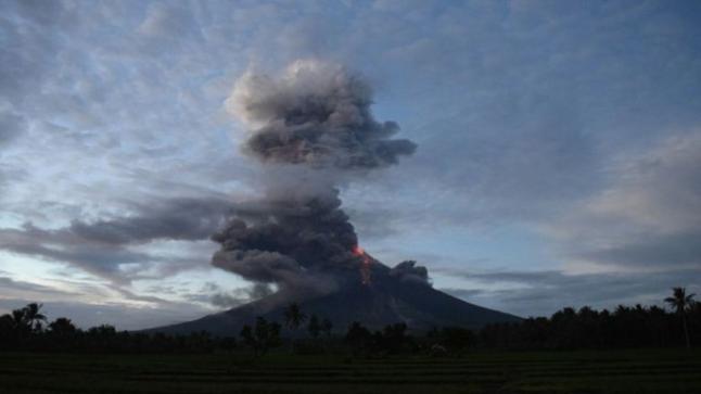 رئيس معهد الجيوفيزياء يكشف تأثير بركان جزر الكناري على المغرب